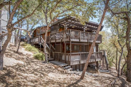 Stern Deck Retreat - Bradley, CA Vacation Rental