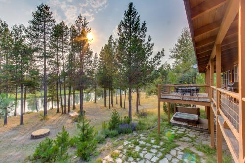 Sunriver Riverfront Retreat - Sunriver, OR Vacation Rental