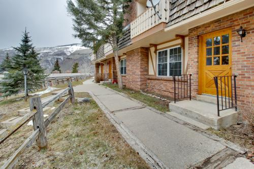 Top 42 east vail vacation rentals from 49 vacasa for Cabin rentals near vail colorado