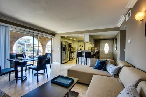 Newport Beach West Balboa Retreat Unit B - Newport Beach, CA Vacation Rental