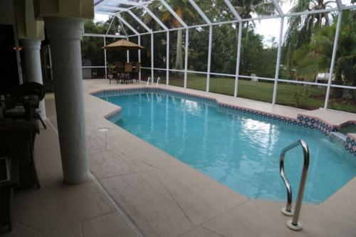 Barefoot Bungalow - Cape Coral, FL Vacation Rental