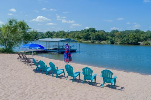 Beach House #2 - Kingsland, TX Vacation Rental