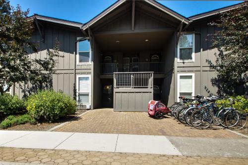 3 Abbot House at Sunriver Village - Sunriver Vacation Rental