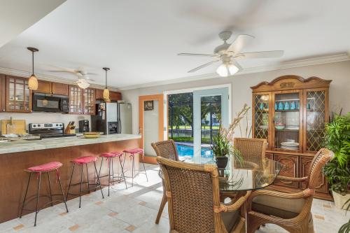 Villa Del Sol - Cape Coral, FL Vacation Rental