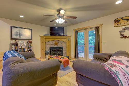 Coosawattee Hideaway - Ellijay, GA Vacation Rental
