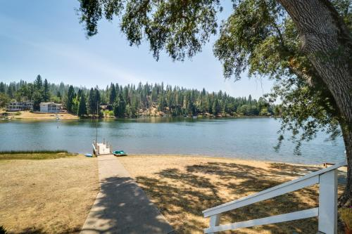 Little House On The Lake - Groveland, CA Vacation Rental
