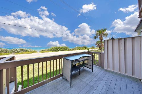 Cinnamon Shores Hideaway - Ormond-By-The-Sea, FL Vacation Rental