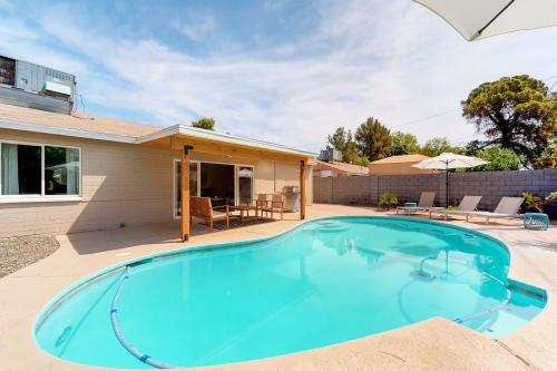 Rose Oasis - Phoenix, AZ Vacation Rental