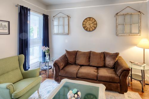 Henry Street Hideaway - Savannah, GA Vacation Rental