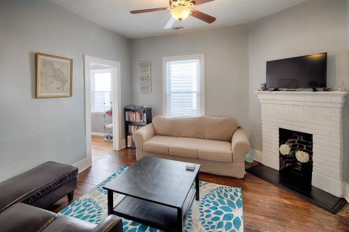 Henry Street Heaven - Savannah, GA Vacation Rental