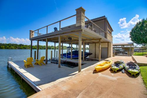 Azure Relaxin' 1 - Kingsland, TX Vacation Rental