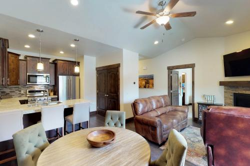The Black Rock Getaway - Heber City, UT Vacation Rental