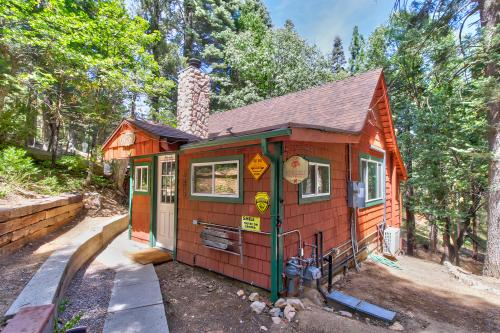 The Burnt Mill Bunker - Lake Arrowhead, CA Vacation Rental