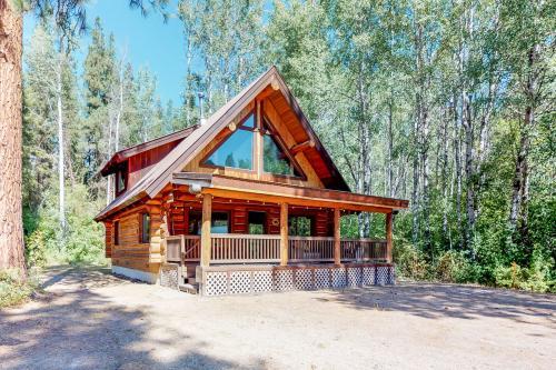 River Road Cabin - Leavenworth, WA Vacation Rental