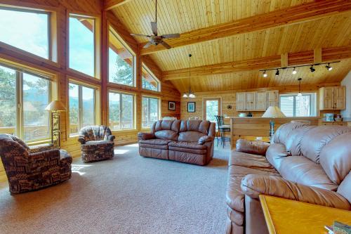 Twin Pines Cabin - Estes Park, CO Vacation Rental