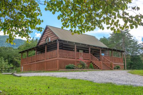 Twin Cub Lodge Cabin - Townsend, TN Vacation Rental