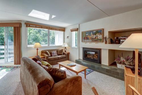 Bridges Resort, Unit 94 - Warren, VT Vacation Rental