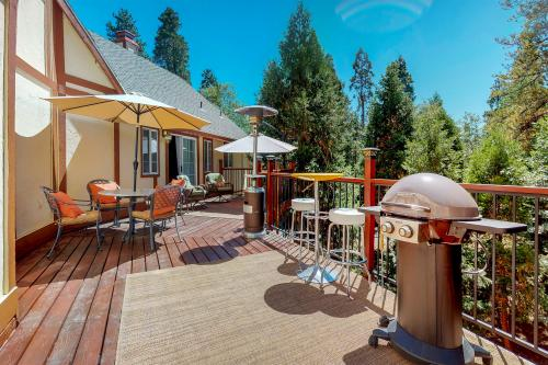 Oakwood Mountain Retreat - Lake Arrowhead, CA Vacation Rental