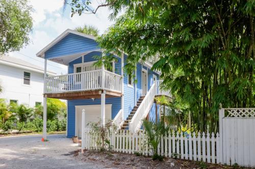 Sapphire Treehouse - Sarasota, FL Vacation Rental