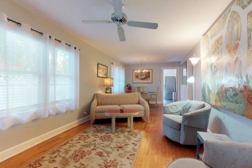 Sapphire Cottage - Sarasota, FL Vacation Rental