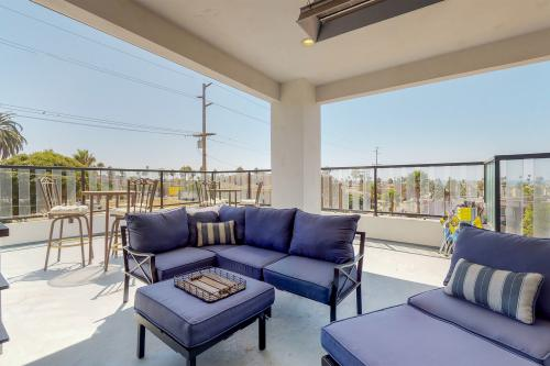 The Palm - Oceanside, CA Vacation Rental
