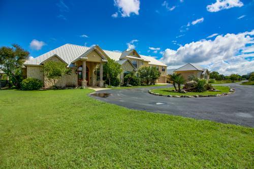 Canyon Springs Retreat - Boerne, TX Vacation Rental