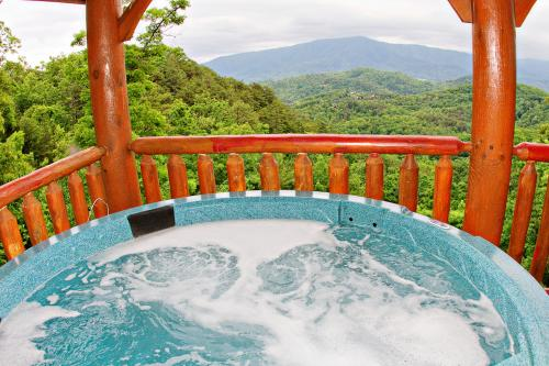 Clear View - Sevierville, TN Vacation Rental