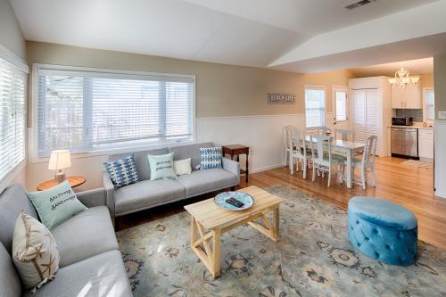 Southern Comfort Cottage - Tybee Island, GA Vacation Rental