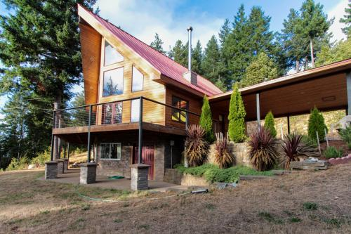 The Grizzly House - Gold Beach, OR Vacation Rental