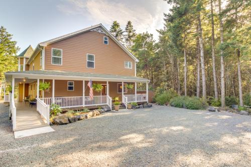 12 Acres House - Port Orford, OR Vacation Rental