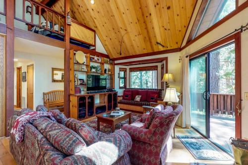 Whispering Pines - Arnold, CA Vacation Rental