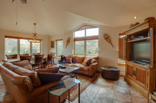 Lakeside Penthouse  - Avon, CO Vacation Rental