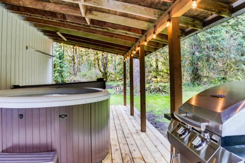 Crimson & Stone - Welches, OR Vacation Rental