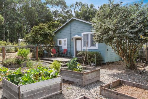 Albion Garden Cottage - Albion, CA Vacation Rental