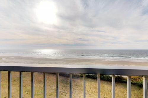Pacific Crest #210 - Newport, OR Vacation Rental