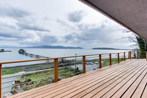 Fisherman's Dream Boat House - Garibaldi, OR Vacation Rental