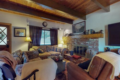 Cozy Cottage - Lake Arrowhead, CA Vacation Rental