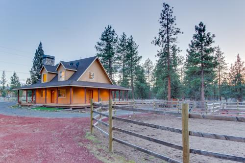Sisters Mini Ranch  -  Vacation Rental - Photo 1