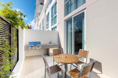 Sunny Beach Retreat - Fort Lauderdale, FL Vacation Rental