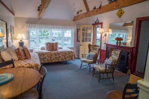 Seaside Cottage #34 - The Duck House - South Yarmouth, MA Vacation Rental