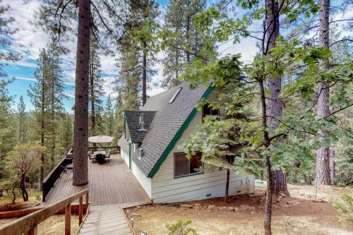 Stiles Mountain Hideaway - Arnold, CA Vacation Rental