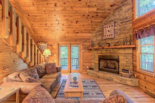 Red Thread - Blue Ridge, GA Vacation Rental