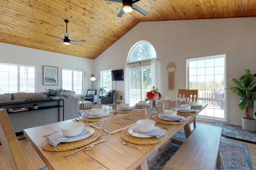 The Swell House - Pacific City, OR Vacation Rental