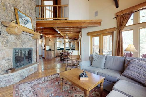 Currant Way Castle - Silverthorne, CO Vacation Rental
