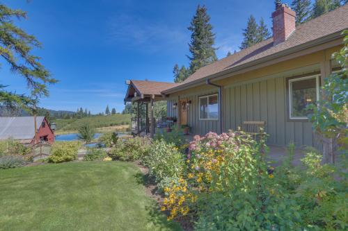 Mountain Ponds Hideway - Parkdale, OR Vacation Rental