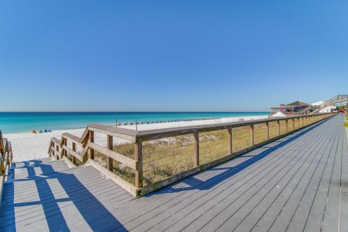 Luau 6723 - Miramar Beach, FL Vacation Rental