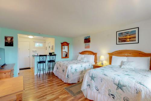 Island Inn - 4B - Oak Bluffs, MA Vacation Rental