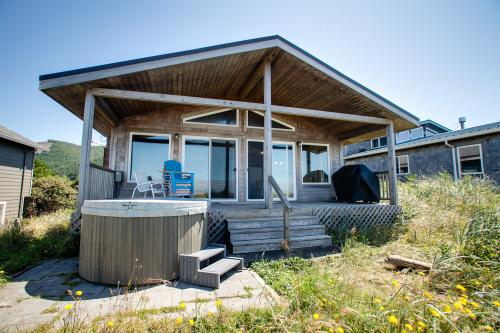 Aliyah - Oceanfront home with hot tub! - Rockaway Beach Vacation Rental