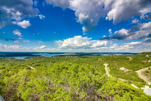 Maverick Mountaintop Retreat - Canyon Lake, TX Vacation Rental