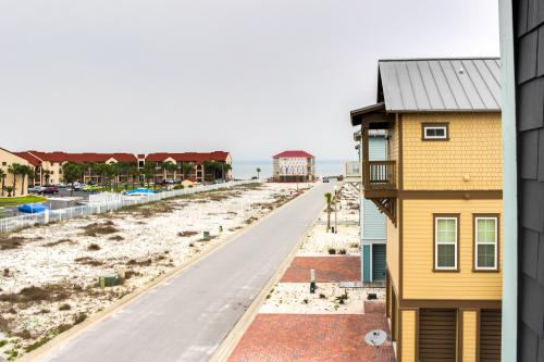 Navarre Beach Beauty -  Vacation Rental - Photo 1